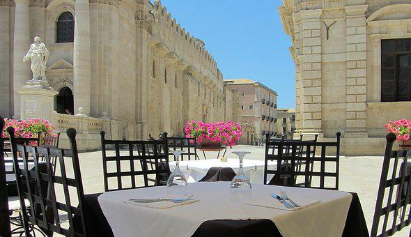Sicily, Syracuse, Piaza Duomo, Italy, Dining, Lunch