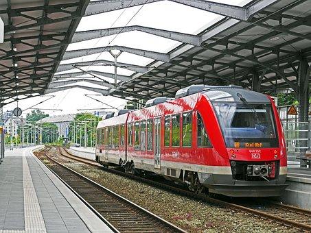 Diesel Railcar, Rendsburg Hbf, Track Climb, Cover