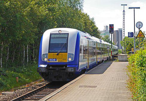 Regional Train, Husum Hbf, Gateway, Platform