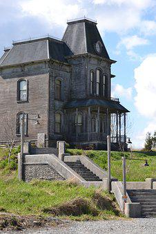 Haunted House, Old, Scary, Bushes, Grass, Stairs