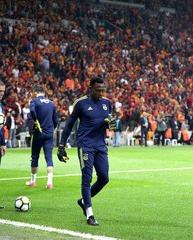 Carlos Kameni, Galatasaray, Fenerbahce, Derby