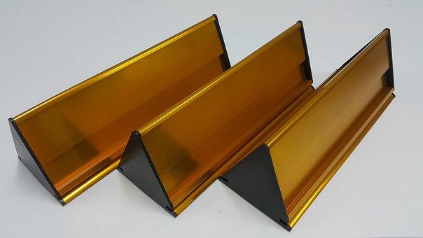 Triangle, Gold Belong, Gloss