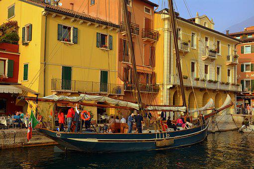 Sailing Ship, Porto, Tourists, Boat, Malcesine, Garda