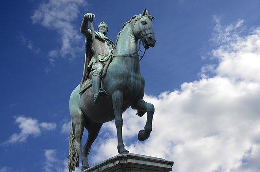 Italy, Florence, Piazza Della Ss Annunziata, Statue