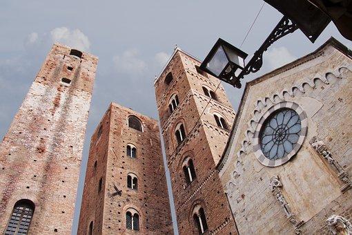 Albenga, Cathedral, San Michele Arcangelo, Italy