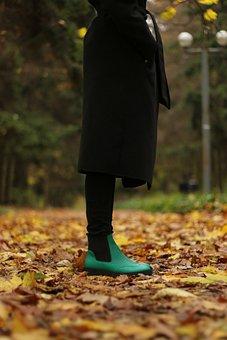 Ella, Karabadgak, Shoes, Green, Autumn, Leaves, October