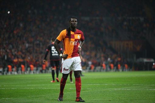 Galatasaray, Bafetimbi Gomis, Lake, Yellow-red