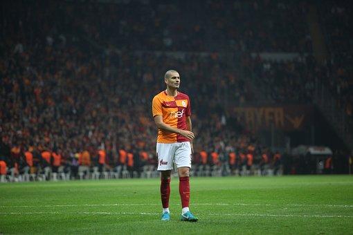 Galatasaray, Eren Derdiyok, Lake, Yellow-red
