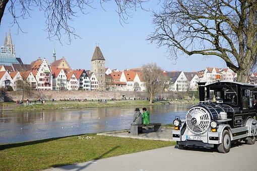 Ulm, City Tour, Hold Back, Train, Locomotive, Tourism
