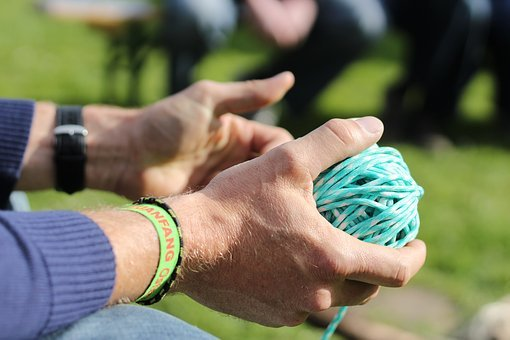 Hand, Yarn, Cord, Play, Prompt, Connect, Explain
