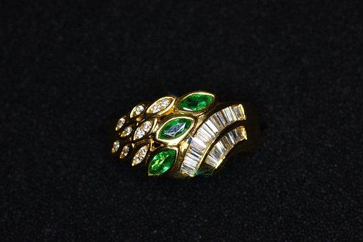 Ring, Emerald, Diamonds