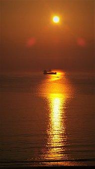 Golden Sea, The Shadow, Sunset, Glow