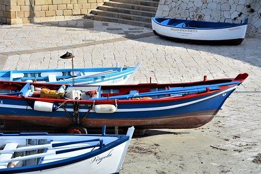 Italy, Pouilles, Otranto, Boats