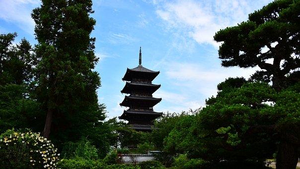 Five Story Pagoda, History, Natural