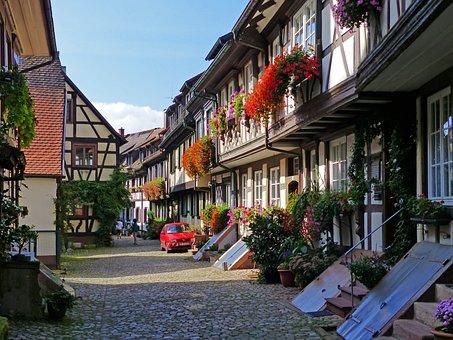 Against Bach, Place, Medieval Place, Village