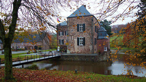 Castle, Autumn, Lock, Fortress, Pond, Autumn Leaves