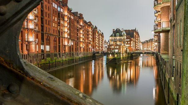 Wasserschloss, Speicherstadt, Hamburg, Castle