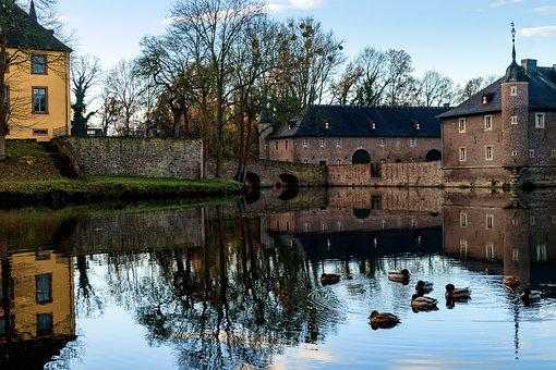 Castle, Moated Castle, Concluded Wasserschloss