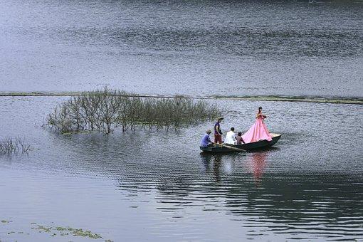 Bride, Groom, Lake, The Boat, Shooting, Photographer