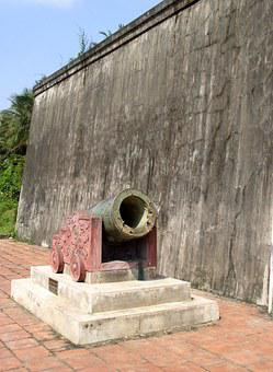 History, Bomb, Cannon, B-52, War, Vietnam, Historic