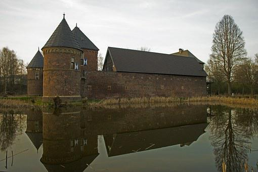 Mirroring, Castle, Architecture, Water, Sky, Clouds