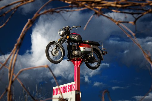 Motorbike, Lofted, Show, Display, Bike, Framing, Motor