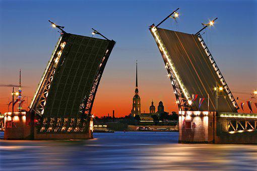 Sankt Petersburg, Closed Bridge, White Nights