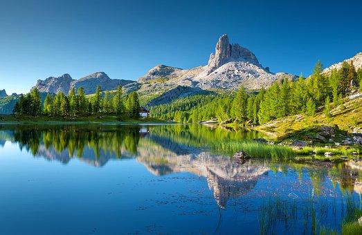 Lago Federa, Bergsee, Dolomites, Croda Da Lago, Italy