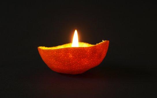 Mandarin, Shell, Candle, Light Rays, Light, Fruit