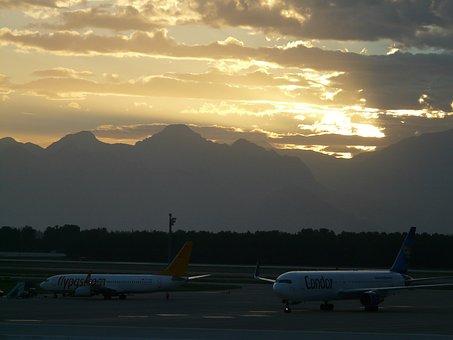 Airport, Aircraft, Sunset, Sun, Clouds, Gloomy, Dark
