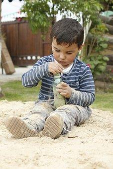 Child, Playing, Arenero, Tenderness, Children Playing