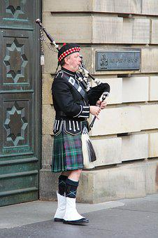 Bagpipes, Highlander, Man, Person, Musical Instrument