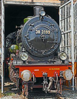 Steam Locomotive, Locomotive Shed, Schuppentor