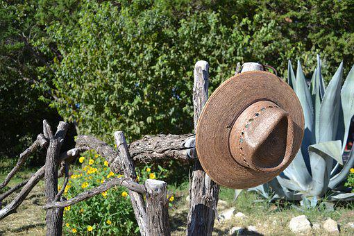 Hat, Fencepost, Nature, Outdoor, Farm, Ranch