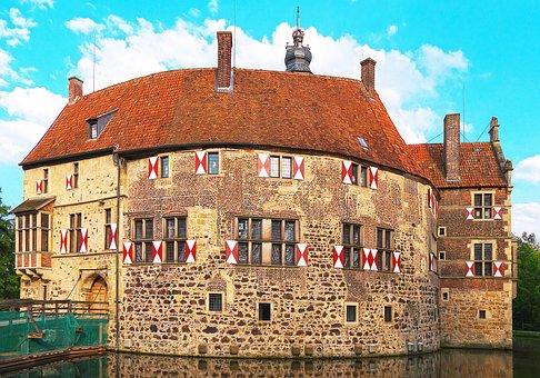 Castle, Moated Castle, Moat, Wasserburg, Well