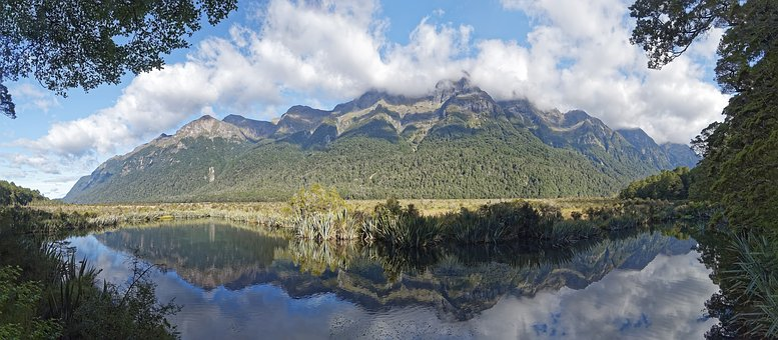 New Zealand, Fiordland National Park, Mirror Lake