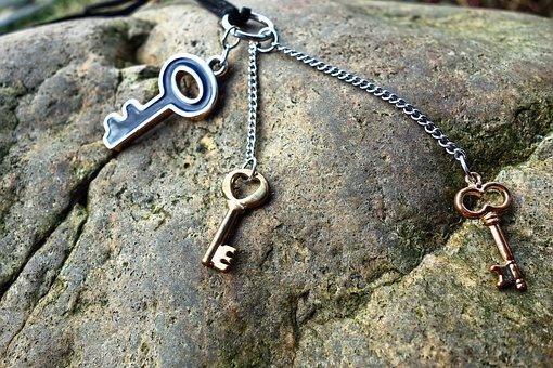 Key, Necklace, Chain, Jewelry, Gold, Silver, Trinket