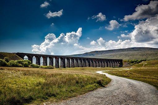 Ribblehead Viaduct, Yorkshire, England, Great Britain