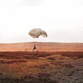 Parachutist, Landing, Commemoration, Heideveld, Float
