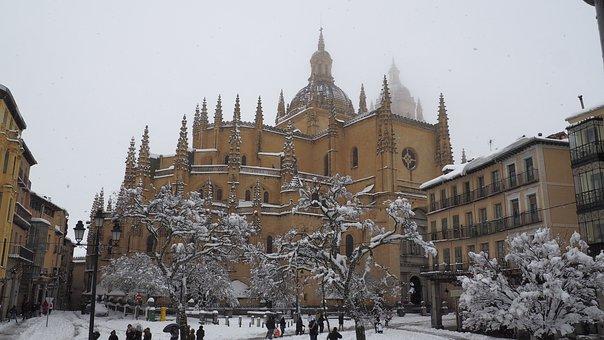 Segovia, Cathedral, Main Square, Winter, Snow