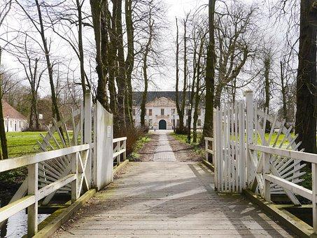 Wooden Bridge, Wing Gates, Excess Protection, Estate