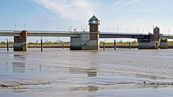 Ems, Last Emsbrücke, In Front Of The North Sea, Empty