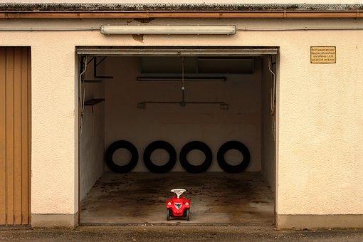 Garage, Mature, Bobby Car, Auto, Mini, Goal