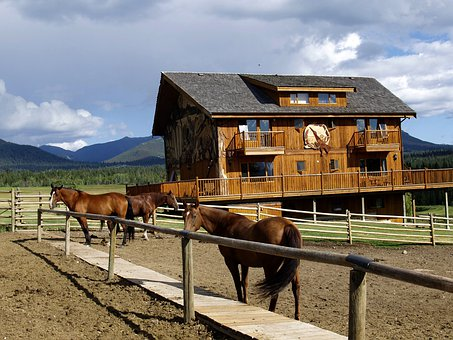 Echo Valley, Cariboo, British Columbia, Clinton Town