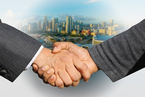 Shaking Hands, Handshake, Skyline, City, Hands, Welcome