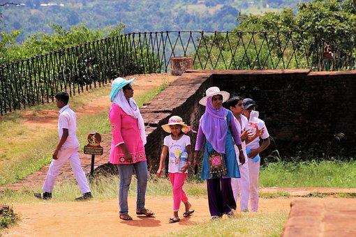 Sigiriya, Cult, Girl, Child, Color, Family, Colour