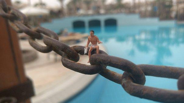 Chain, Close Up, Miniature Figures, Waters, Swim, Pool