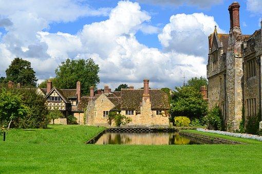 Hever Castle, Boleyn Residence, Castle, England, Water