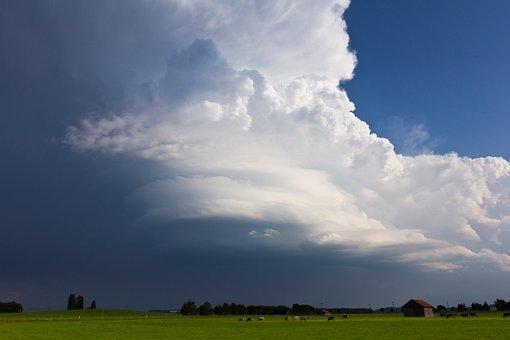 A Thunderstorm Cell, Sunlight, Blue Sky, Thunderstorm