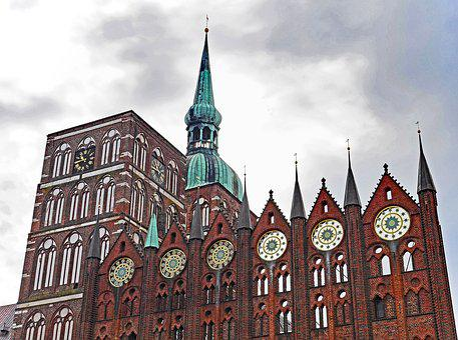Stralsund Tips, Town Hall, Nikolai Church, Facade